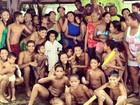 Gaby Amarantos posa com a sua grande família