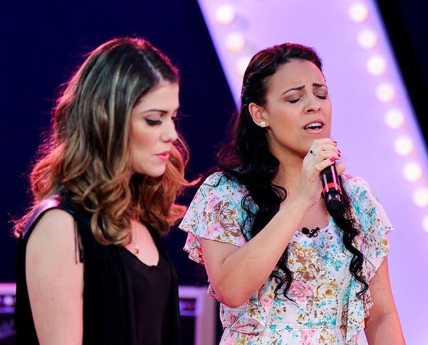 As cantoras soltam o gogó para cantar a música 'Bilhete' (Foto: Isabella Pinheiro/Gshow)