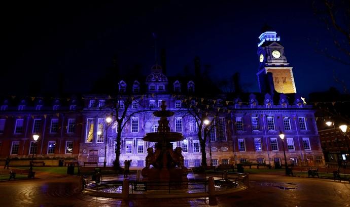 Campanha deixa Leicester toda de azul (Foto: Reuters)