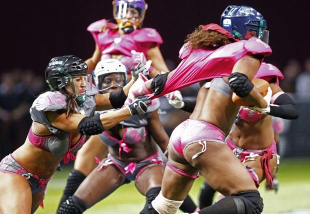 Austrália tem jogo-exibição de futebol americano de lingerie (Foto: Reuters)