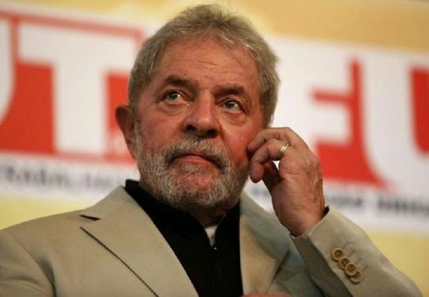 Justiça italiana quer ouvir Lula sobre caso Lavitola