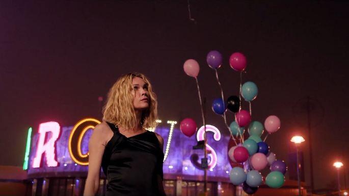 Erin Wasson no fashion film da Monse (Foto: Reprodução/YouTube)