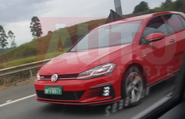 Novo Volkswagen Golf é flagrado rodando no Brasil (Foto:  Matheus Moraes)