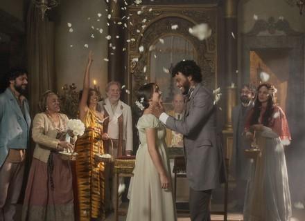 Cecília e Libério se casam e têm primeira noite de amor