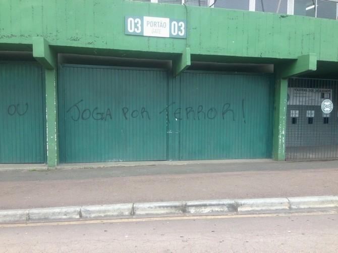 Blog Torcida Coritiba - pichação Couto Pereira