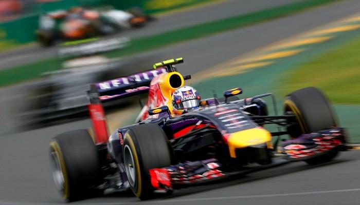 Daniel Ricciardo na pista