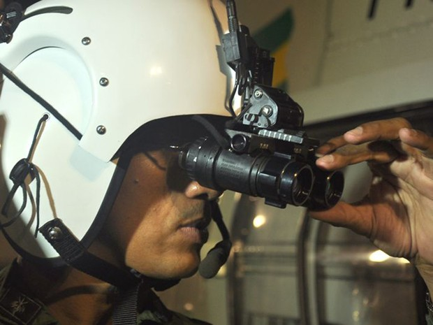 Óculos de visão noturna têm alcance de cinco quilômetros (Foto: Jadilson Simões/SSP/SE)