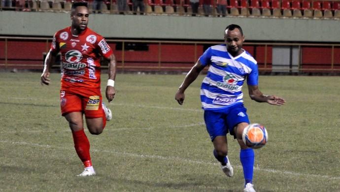 Alexandre Matão, do Rio Branco, e Araújo Goiano, do Atlético-AC (Foto: Manoel Façanha/Arquivo pessoal)