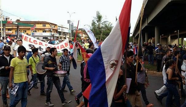 Paraná TV greve paraguai (Foto: Caio Vasques / RPC TV/ Reprodução G1)