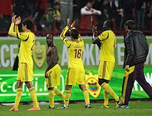 Jogadores do Anzhi festejam vitória sobre o Spartak (Foto: Reprodução / Interfax)