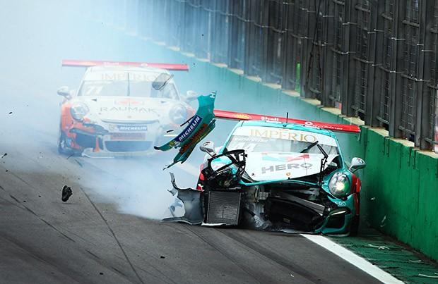 ...e vem em direção do S do Senna! (Foto: Luca Bassani/PorscheCup)