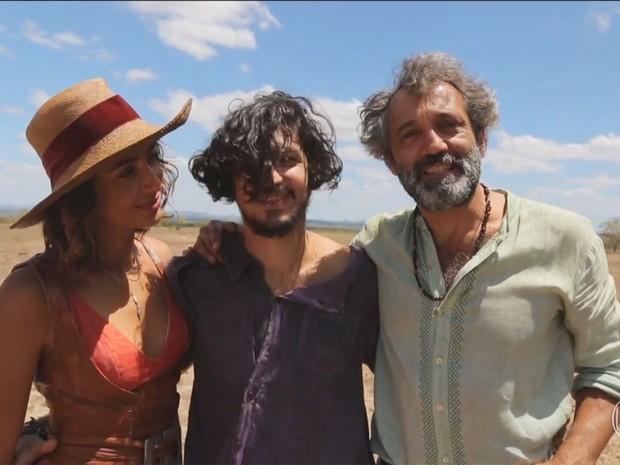 Domingos Montagner, Camila Pitanga e Gabriel Leone (Foto: TV Globo)