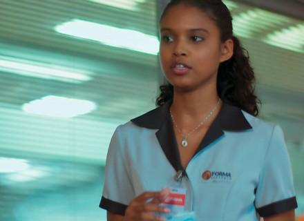 Joana se oferece para trabalhar na casa de Ricardo