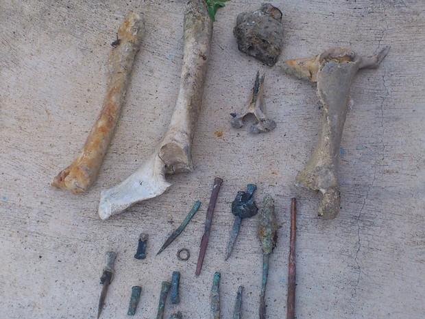 Pescadores acham restos de possível navio negreiro (Foto: Agência Diário)