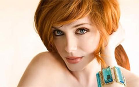 Dicas de maquiagem para ruivas: saiba quais tons combinam com cabelos avermelhados