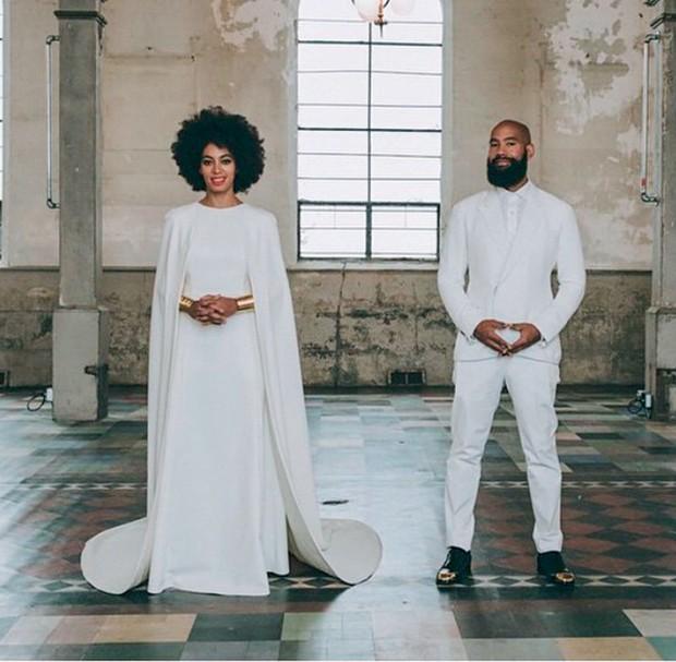 Noiva Cool: Solange Knowles se casou com um vestido-capa de Humberto Leon, da kenzo (Foto: Getty Images, Cond� Nast Digita L Archive e Divulga��o)