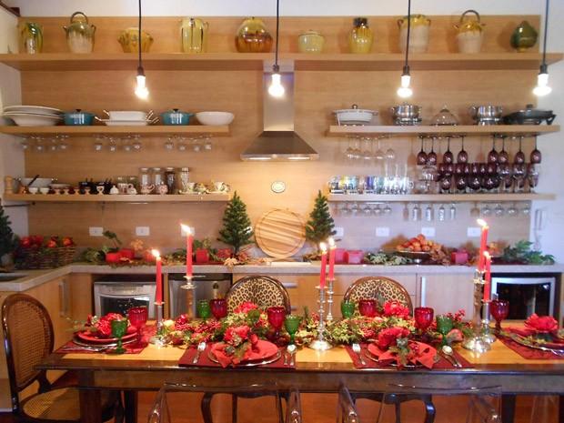 Mesas de natal decoradas veja ideias para impressionar na - Fotos de mesas decoradas ...