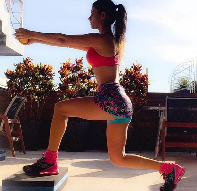 Paula Fernandes se exercita e inspira seus seguidores nas redes sociais (Foto: Arquivo Pessoal)
