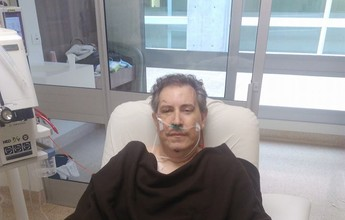 Sobrevivente de voo da Chape, Rafael Henzel posta foto e agradece apoio