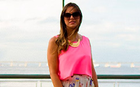 Looks fluorescentes no Fashion Rio: aprenda a usar a tendência sem erro