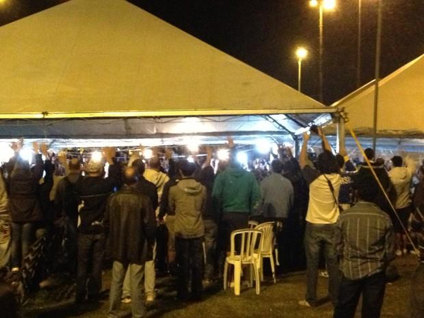 Grevistas voltam ao trabalho nesta quarta-feira (12) (Foto: Sérgio Guimarães/RBS TV)