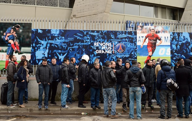fila paris saint germain (Foto: AFP)