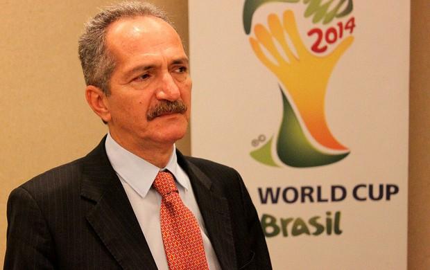 Ministro do Esporte, Aldo Rebelo (Foto: Fabrício Marques / Globoesporte.com)