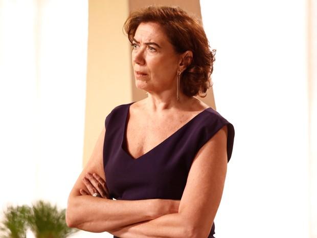 Marta não gosta de ouvir as palavras de Maurílio (Foto: Fábio Rocha/Gshow)