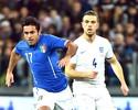 Brasileiro Éder se destaca, e Itália empata amistoso com a Inglaterra