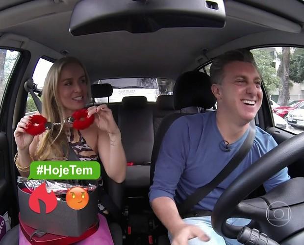 Angélica se surpreende com presente de Luciano Huck (Foto: TV Globo)