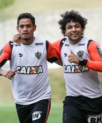 Luan e Carlos Eduardo, do Atlético-MG (Foto: Bruno Cantini / Atlético-MG)