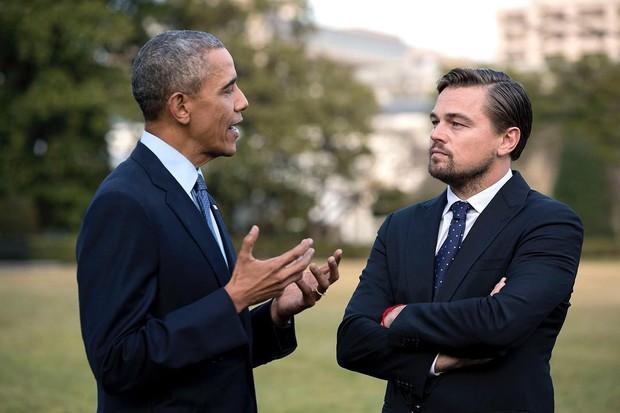 Obama e Leonardo DiCaprio: unidos pela gravata azul (Foto: Reprodução/Instagram)