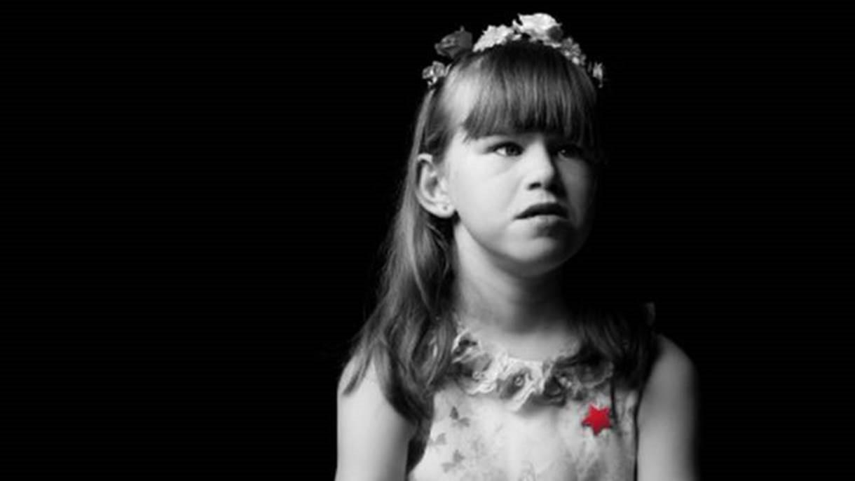 Skye, de 8 anos, tem dificuldade de aprendizagem, problemas cardíacos e renais (Foto: Kris Askey/Birmingham Children's Hospital )