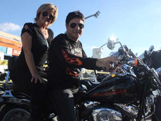 Casal de motociclistas na festa de 110 anos da Harley-Davidson (Foto: Rafael Miotto/G1)