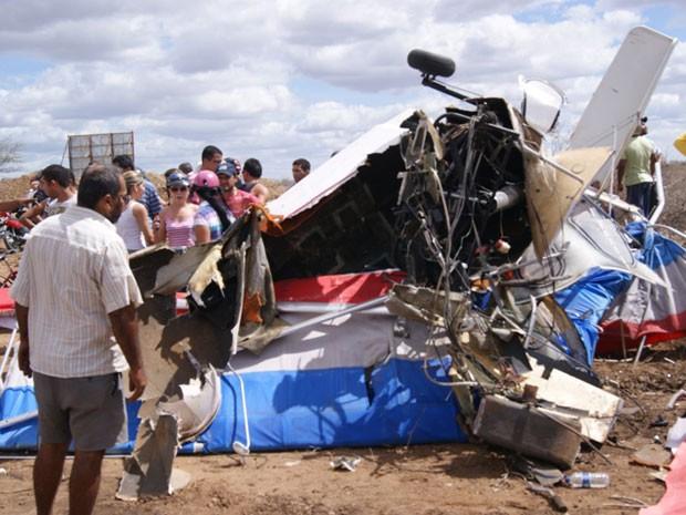 Acidente avião (Foto: Ferinha Francisco/ umbuzada.com)
