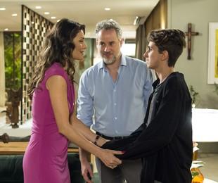 Maria Fernanda Cândido, Dan Stulbach e Carol Duarte gravam a cena em que Ivan revela sua gravidez aos pais | Estevam Avellar / Globo