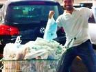 Ricardo Pereira enche o carrinho no mercado: 'Satisfazer a mulher grávida'