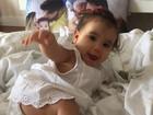 Deborah Secco se derrete pela filha, Maria Flor, em rede social