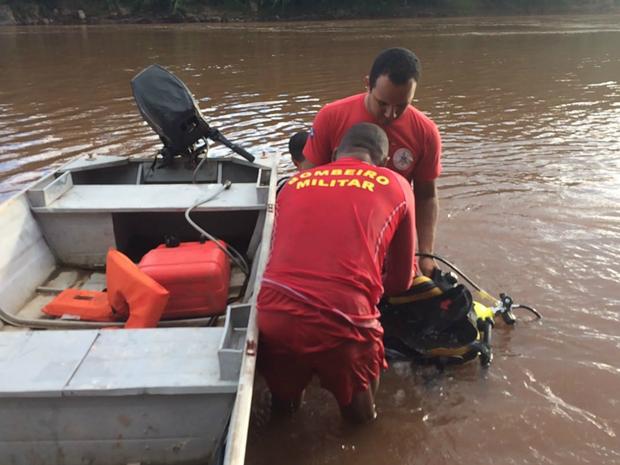 Bombeiros buscam menina de 11 anos que desapareceu em rio em MT