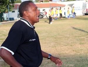 Vanin, auxiliar técnico do Cori (Foto: Wenner Tito)