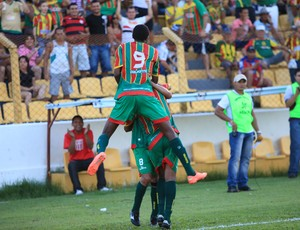 Time do Sampaio comemora um dos gols da melhor m&#233;dia (Foto: Douglas Junior/O Estado)