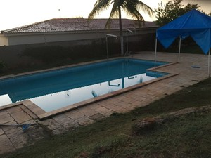Casa alugada onde suspeito morava tem piscina e cinco quartos (Foto: Divulgação/ Polícia Civil)