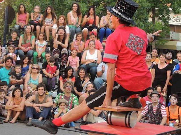 """Cia argentina """"Los Chimichuri"""" é especializada em formatos de rua (Foto: Divulgação)"""