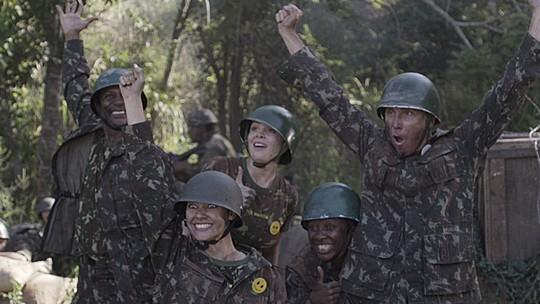 'Zorra' cria novo método para ajudar os soldados da guerra; reveja os cinco melhores esquetes!