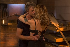 Vittorio e Lenita se beijam pela primeira vez (Foto: Globo/João Cotta)