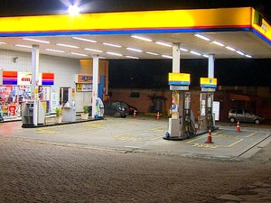 Posto de combustíveis é assaltado duas vezes em Porto Alegre (Foto: Reprodução/RBS TV)