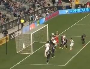 Gol contra de goleiro. De cabeça (Foto: Reprodução/Internet)