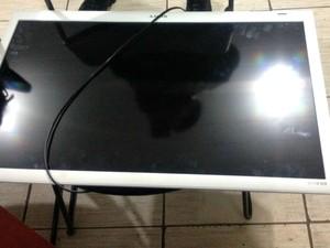 Tv furtada foi encontrada na casa de adolescente pela PM em Porto Velho (Foto: Hosana Morais/G1)