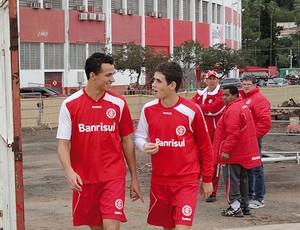 Leandro Damião Oscar treino Internacional (Foto: Alexandre Alliatti / Globoesporte.com)