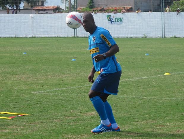Seedorf CT CBV Botafogo (Foto: Thales Soares)